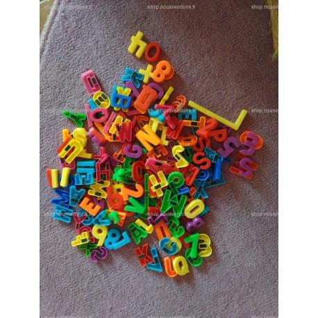 Lettres et chiffres aimantés en plastique